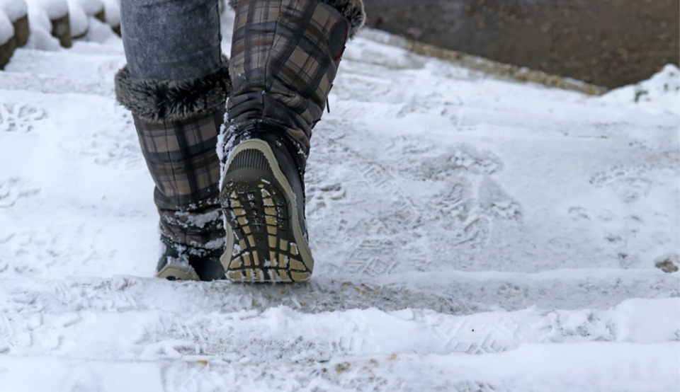 walking-in-icy-conditions