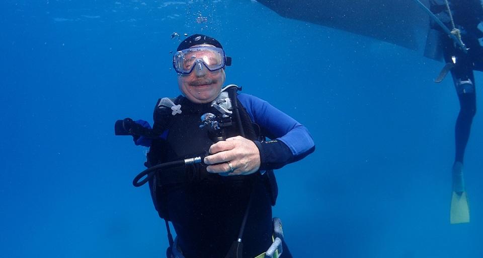 Victor Short scuba diving